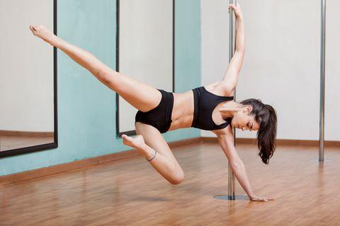 Pole Dance: 6 Gründe für Fitness von der Stange
