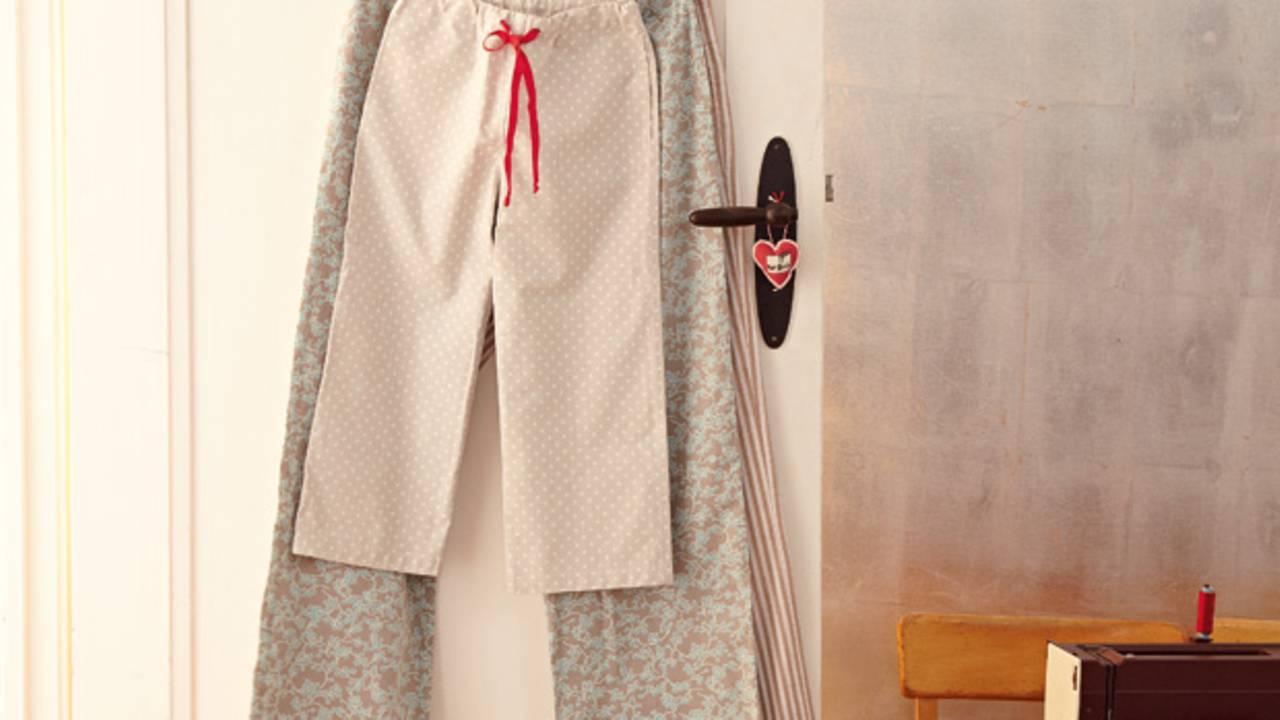 4b22f1c706 Anleitung: Pyjama-Hose selber nähen - so geht's | BRIGITTE.de