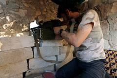 Im syrischen Bürgerkrieg kämpfen immer mehr Deutsche mit: Der Verfassungsschutz geht von 400 Ausreisen von Deutschen nach Syrien aus. Darunter sind auch Jugendliche. 2013 starb ein 16-Jähriger aus Frankfurt, der sich den Islamisten angeschlossen hatte.