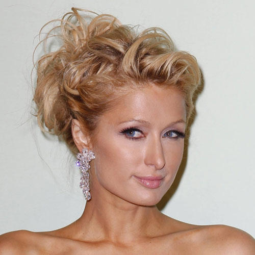 Messy Updo: Paris Hilton