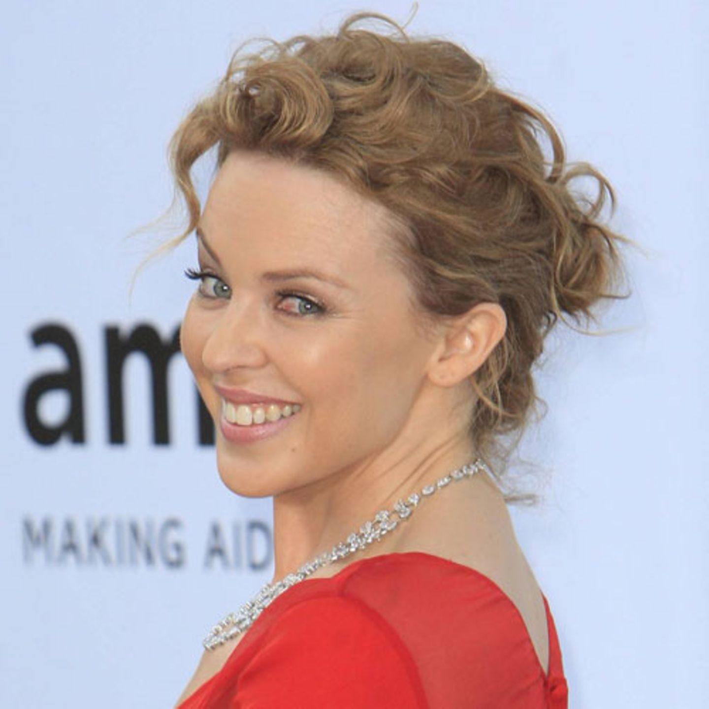 Messy Updo: Kylie Minogue