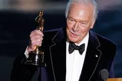 """""""Du bist nur zwei Jahre älter als ich, Darling, wo warst du mein ganzes Leben lang?"""" So charmant begrüßte der 82-jährige Christopher Plummer seinen ersten Oscar. Der Kanadier bekam ihn als bester Nebendarsteller für seine Rolle ..."""