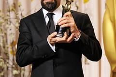 """Es war eine überraschungsarme Oscar-Verleihung. Dazu passte auch, dass der Preis für den besten nicht-englischsprachigen Film an Asghar Farhadi für """"Nader und Simin"""" ging, der letztes Jahr bereits den goldenen Bären gewinnen konnte. Wir finden: Erwartbar ja, aber es hätte auch keinen anderen Gewinner geben dürfen. Das iranische Scheidungsdrama ist ganz starker Kinostoff."""
