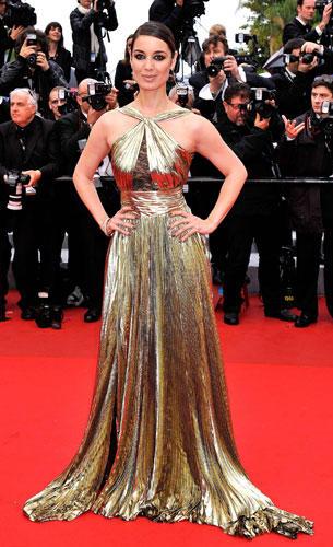 Stars in Gold-Kleidern: Berenice Marlohe
