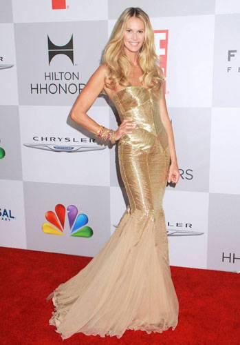 Stars in Gold-Kleidern: Elle McPherson