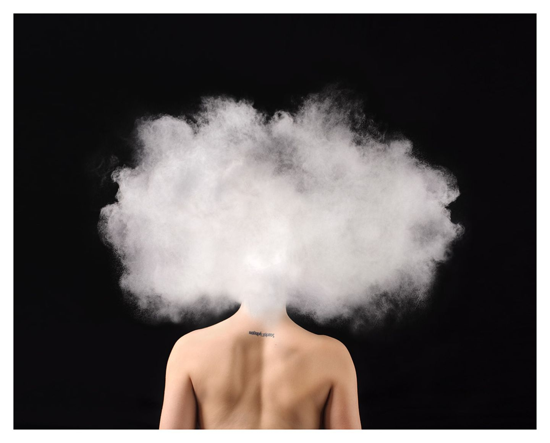"""Zum Bild: """"Gefangene meines eigenen Geistes. Täter meiner eigenen Gedanken. Je mehr ich denke, desto schlimmer wird es. Je weniger ich denke, desto schlimmer wird es. Atme. Atme einfach. Lass dich treiben. Es wird bald besser."""""""