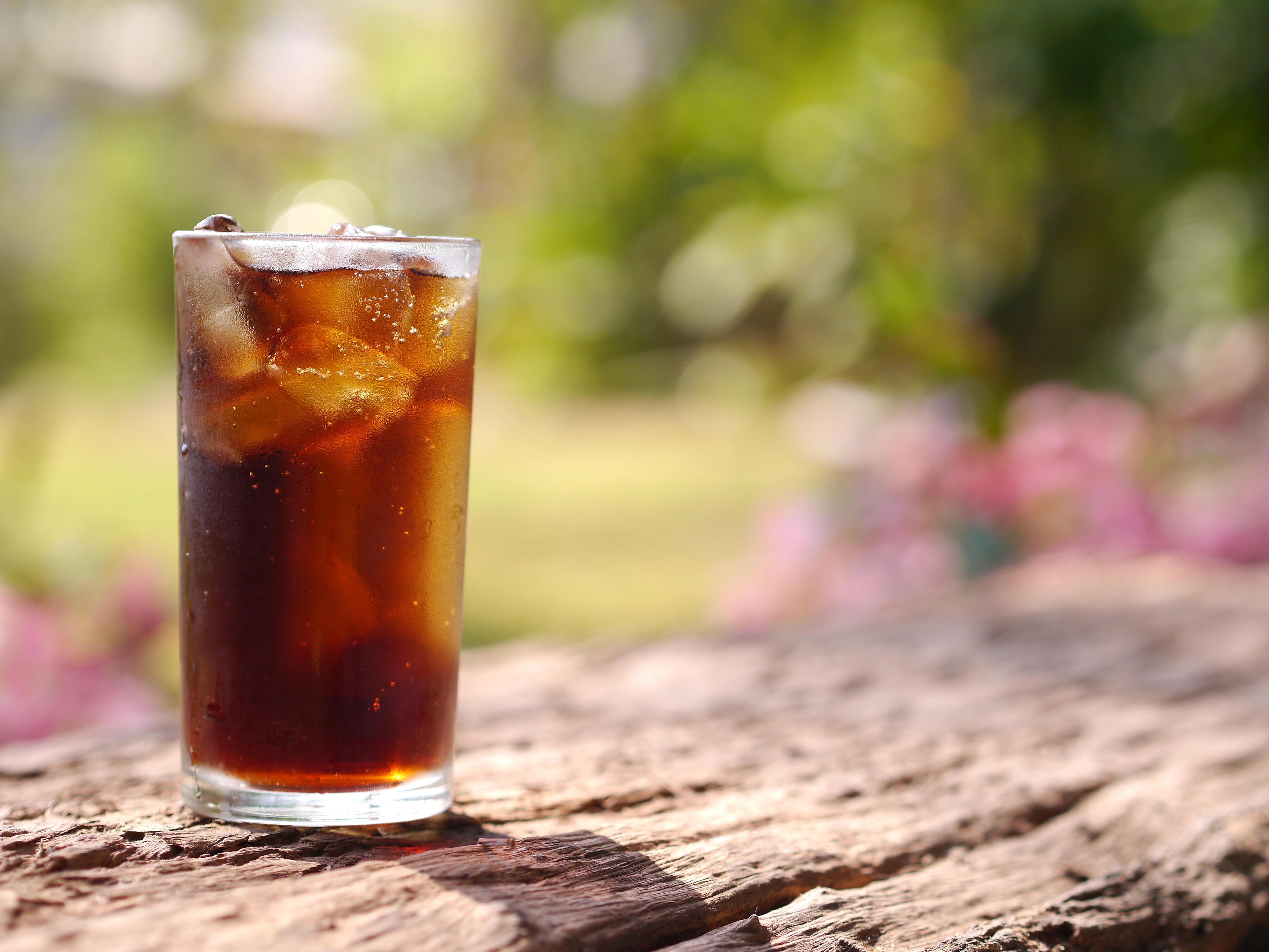 Regeln für die gesunde Ernährung: Softdrinks weg lassen