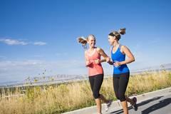 3. Irrtum: Nicht quatschen beim Training!