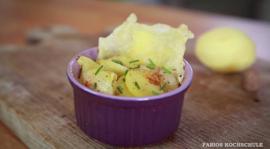 Rezept: Kleine Kartoffelgratins mit Käsechips