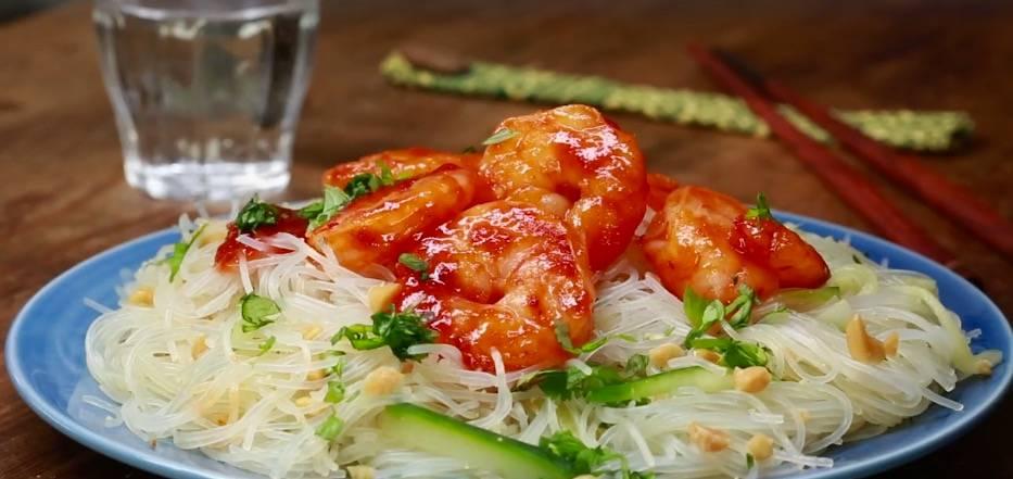 Einfach lecker: Asiatischer Glasnudelsalat