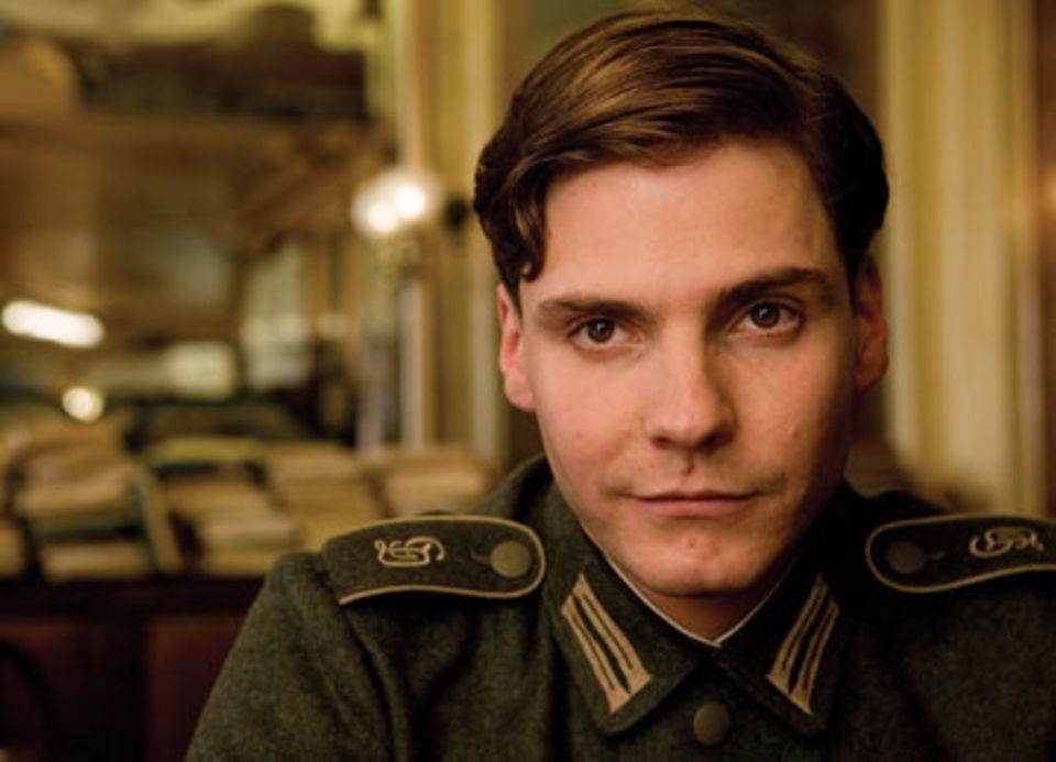 """Auch Daniel Brühl ist in """"Inglourious Basterds"""" mit dabei."""