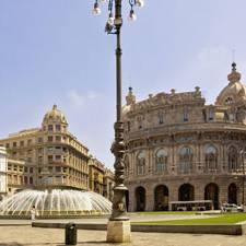 Die zentrale Piazza de Ferrari in Genua
