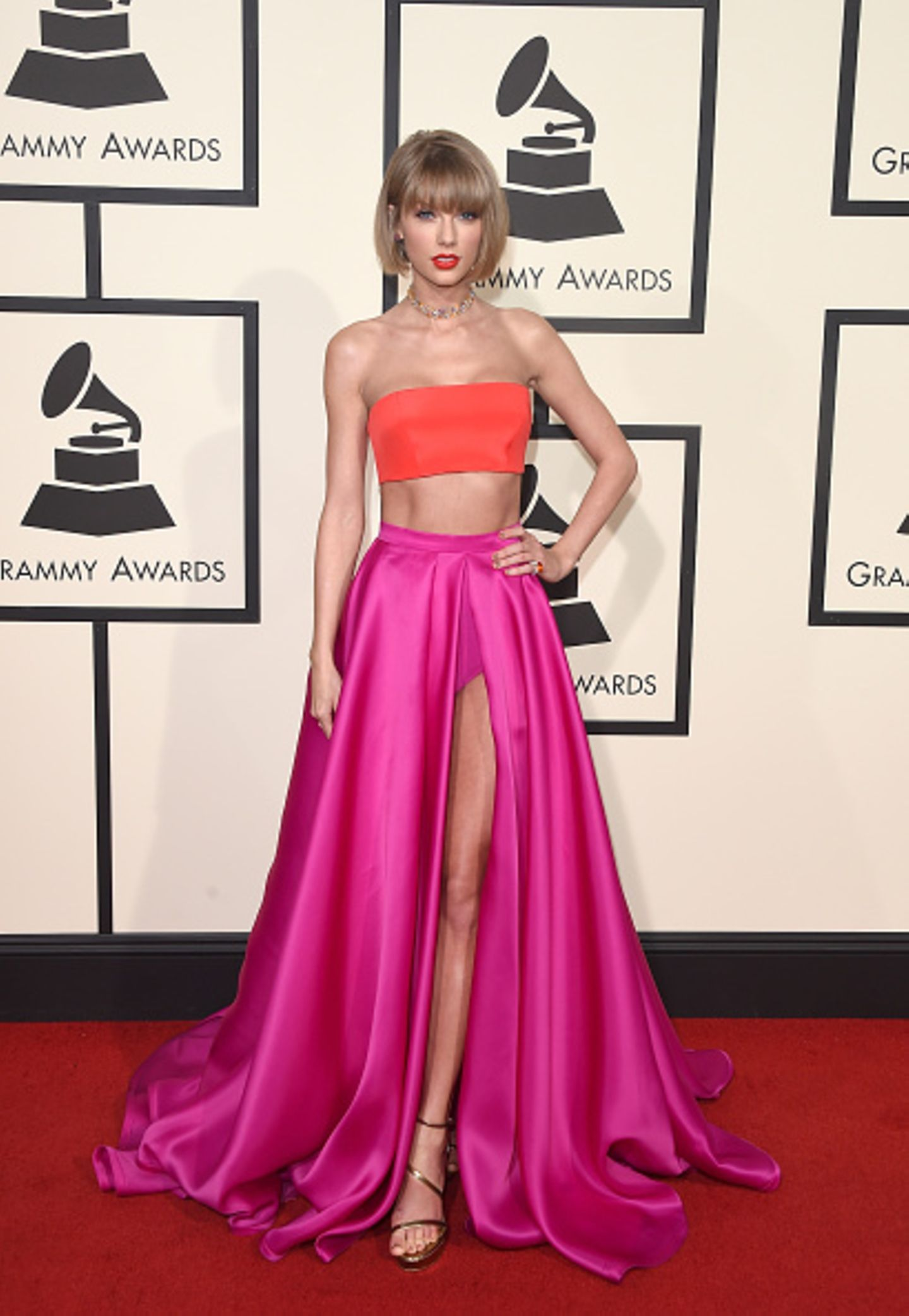 Top 1: Taylor Swifts Color Blocking