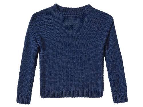 Bevor Sie den Marine-Pullover stricken, machen Sie unbedingt eine Maschenprobe. Die garantiert vom ersten Anschlag an, dass der Pullover wie angegossen passt.  Zur Anleitung: Marine-Pullover stricken.