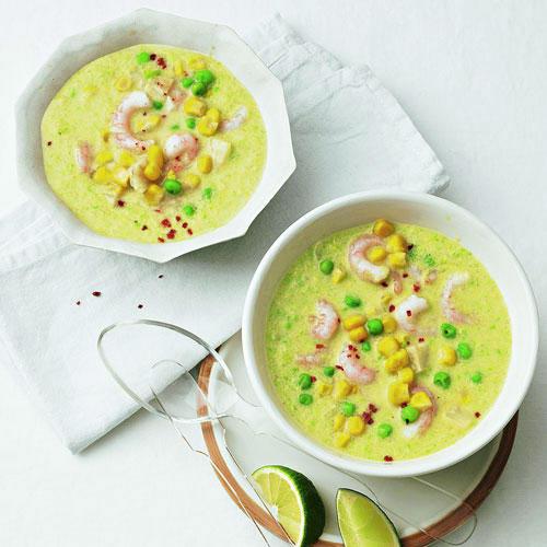 Grüne Kokossuppe mit Garnelen