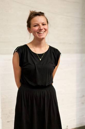 Streetstyle: Britta aus Berlin zeigt die feinen Produkte ihres Labels Birdtoldme schon zum zweiten Mal bei Hello Handmade. Im Angebot: handgenähte Röcke, Illustrationen und niedliche Origami-Tierchen.