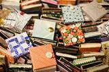 Die winzigen, handgefertigten Leporello-Alben sind der richtige Ort, um schöne Erinnerungen und Bilder aus Fotoautomaten aufzubewahren. Mehr Infos und den Link zum Shop gibt's hier.