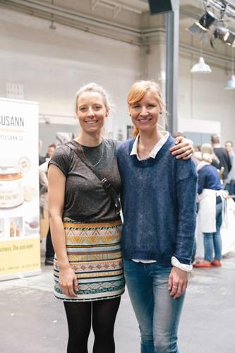 """Streetstyle: Und wer hat's gemacht? Hinter """"Hello Handmade"""" stecken Sophie und Catharina, die den Kreativmarkt seit fünf Jahren auf die Beine stellen.     Hier können Sie sich von kreativen Geschenkideen vom Hello-Handmade-Markt inspirieren lassen."""