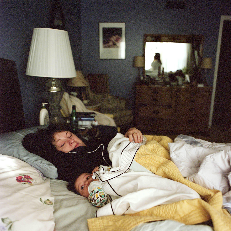 Co-Sleeping mit dem Kind und der eigenen Mutter