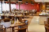 Das Buffalo Steakhouse ist eines der zuzahlungspflichtigen Restaurants an Bord - hier werden köstlichkeiten wie Rib-Eye-Steaks aus dem bordeigenen Reifeschrank serviert.