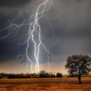 Wetter-Schock: Unwetter mit Tornados im Anmarsch!