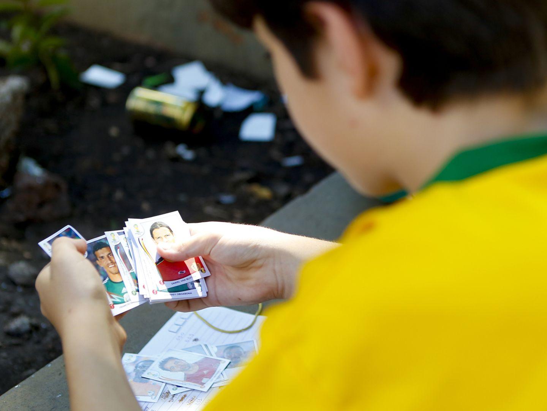 Panini-Bilder - warum Schulen die Alben verbieten