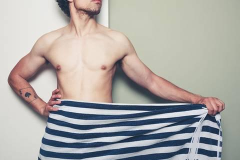 5 kreative Dinge, die ihr mit einem nackten Mann anstellen könnt
