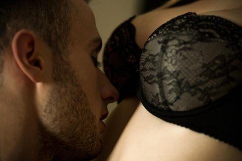 Jennifer gibt ihrem Freund (36) alle 2 Stunden die Brust