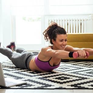Beweglichkeit: Übungen für Brustwirbelsäule | BRIGITTE.de on