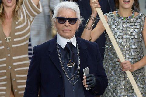 Karl Lagerfeld zu Ehren: So emotional war die letzte Show des Chanel-Meisters