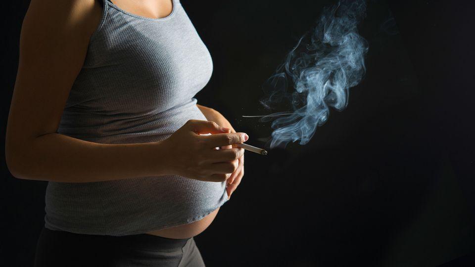 Rauchen in der Schwangerschaft - Folgen und Gefahren