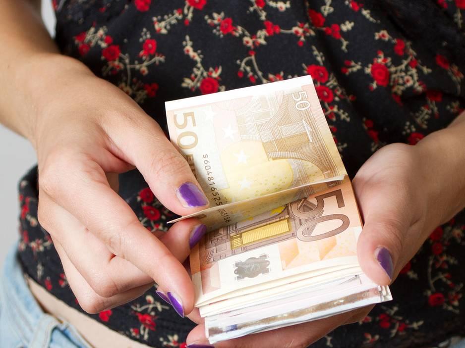 So erkennt man einen gefälschten Geldschein
