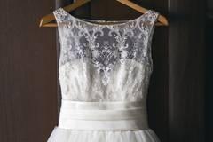 So kann man ein altes Brautkleid wiederverwenden