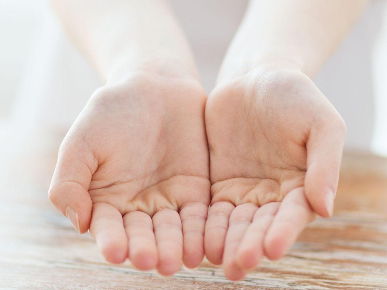 Handlesen: Das verraten deine Herzlinien über deine Beziehung