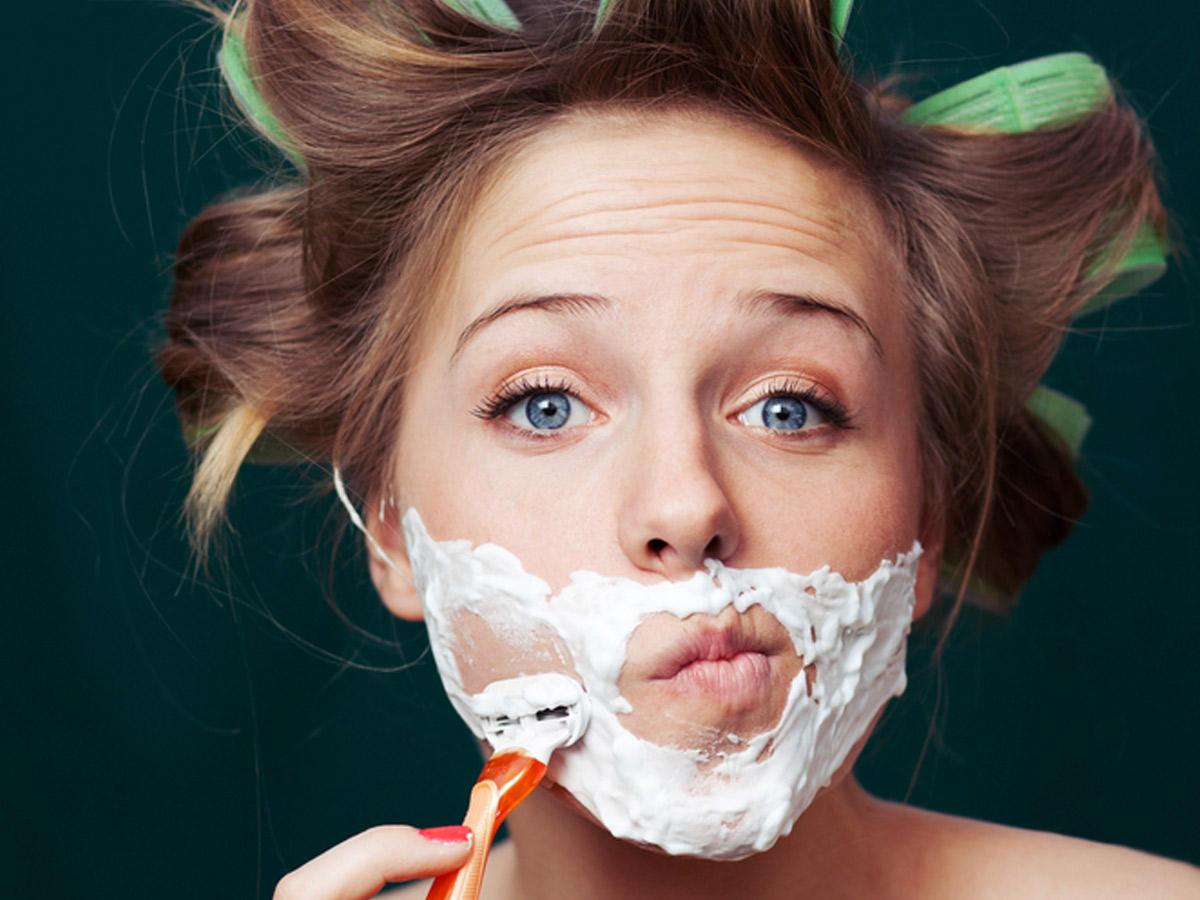Das passiert, wenn du dir dein Gesicht rasierst!