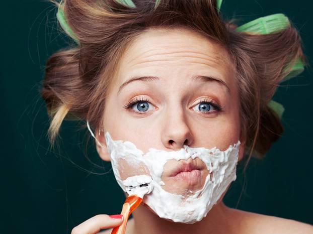 Wie rasiert man sich am besten die Haare am Po? rasieren