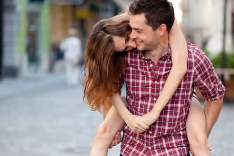 5 völlig verrückte Gründe, warum wir uns in jemanden verlieben
