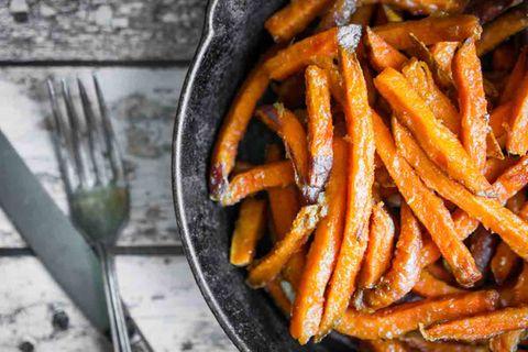 Krosse Süßkartoffel-Pommes selber machen