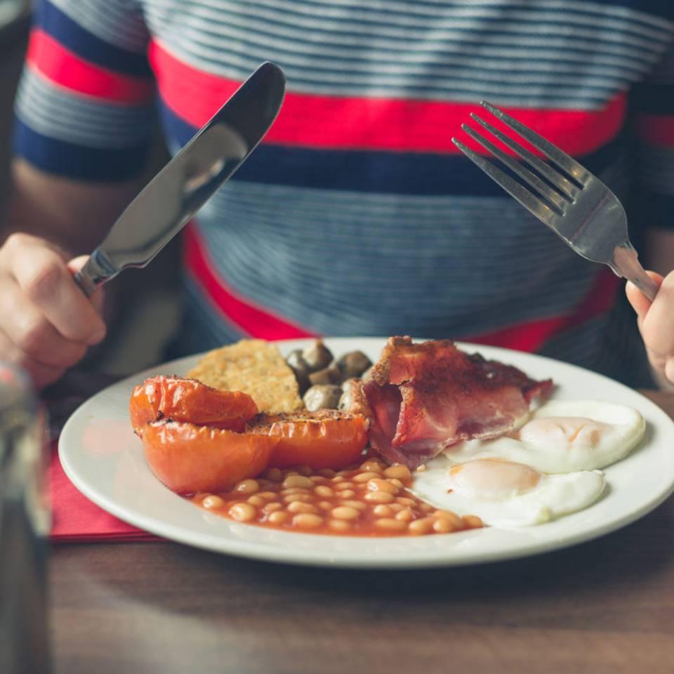 Studie: Der Zeitpunkt deines Mittagessens hilft beim Abnehmen