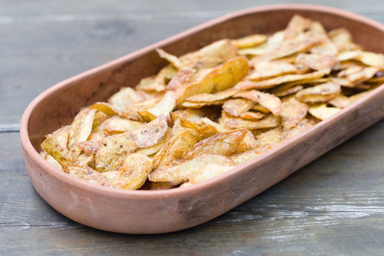 Chips aus Kartoffelschale selber machen