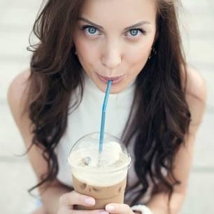 Hat Eiskaffee genauso viel Koffein wie normaler Kaffee?