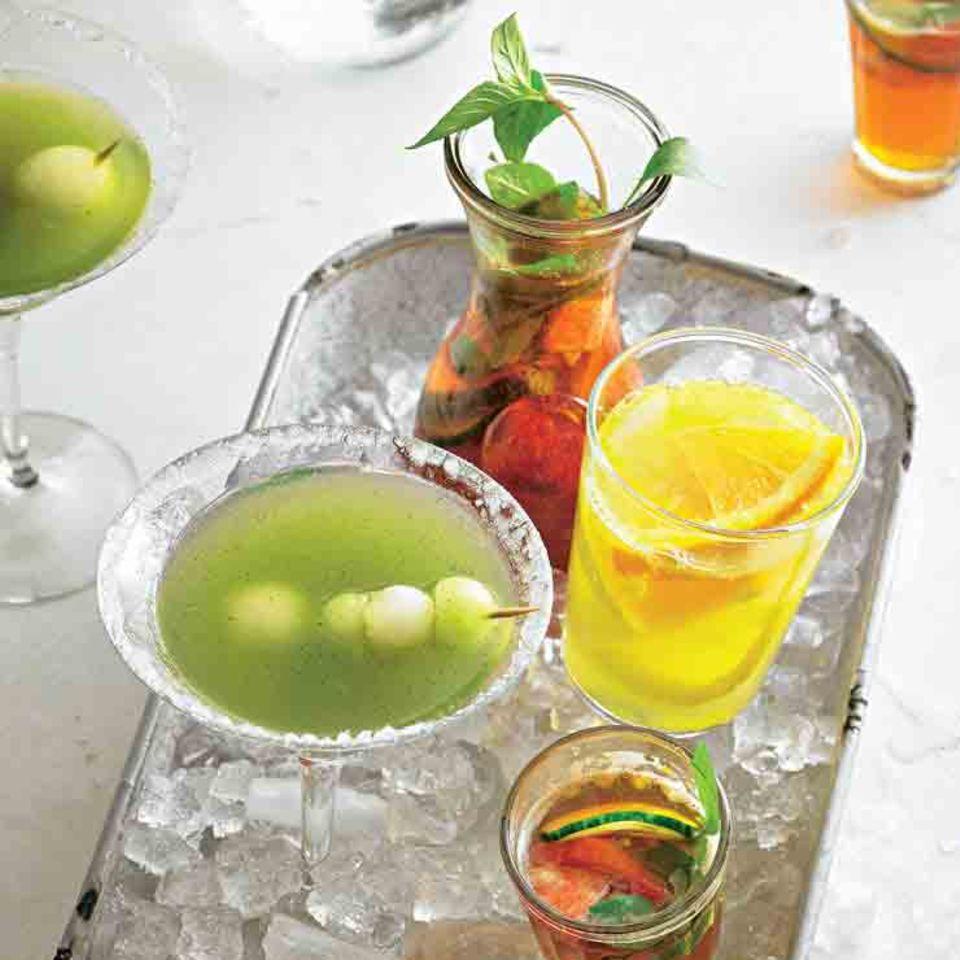 Pimm's mit Giner Ale und andere Sommer-Cocktails