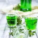 Waldmeistersirup für leckere Drinks selber machen