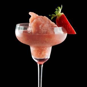 Frosé ist ein Wortspiel, das sich aus Frozen Rosé zusammensetzt