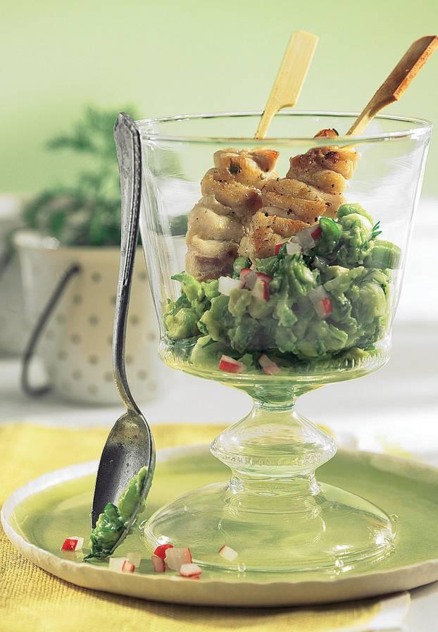 Seelachs-Saté mit Avocado-Dip