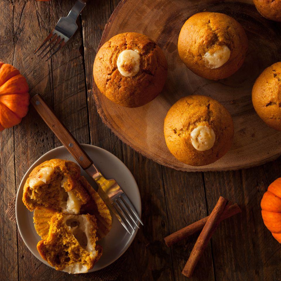 Kürbis-Muffins mit Orangenbutter