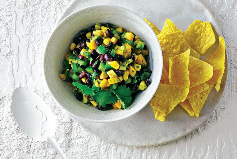 Cajun-Salat mit schwarzen Bohnen