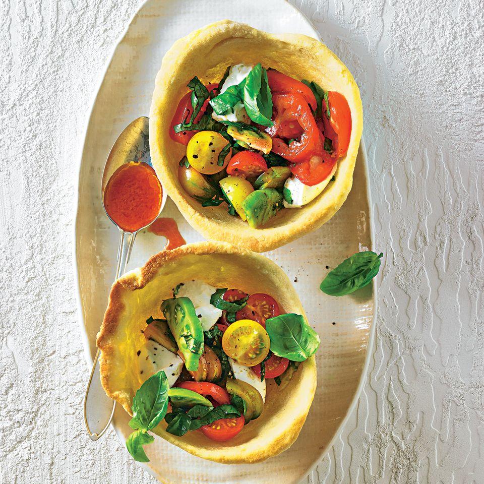 Margherita-Salat in Pizza-Schälchen