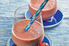 Erdbeer-Flip mit Pistazien