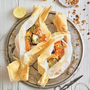 """Pasta """"al cartoccio"""" mit Paprikasoße"""